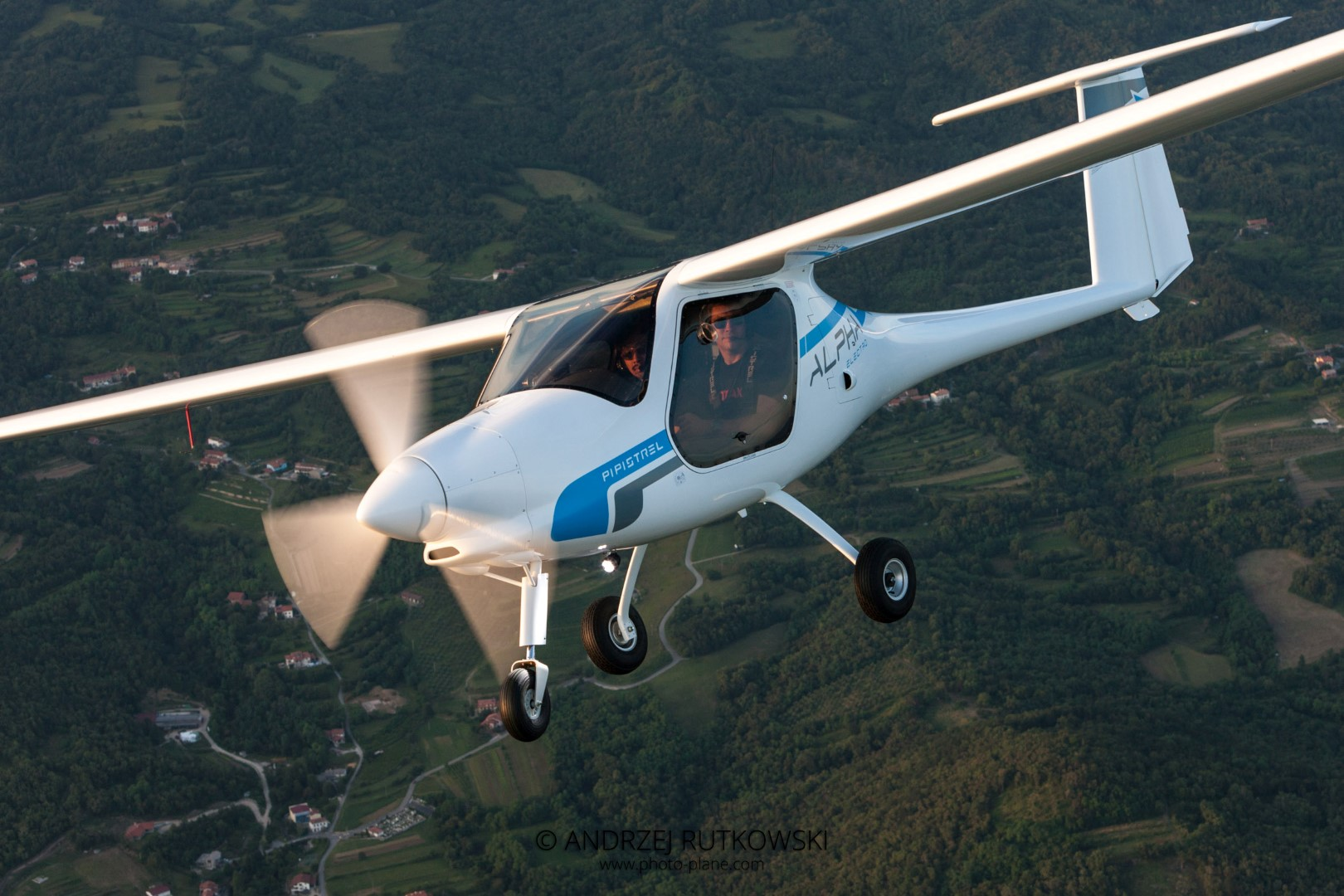 Pipistrel-Alpha-Electro-aircraft-zero-emissions-electric-aircraft-LSA-approved-for-training-operations-and-flight-schools-26
