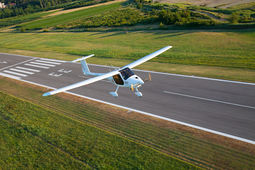 pipistrel-virus-sw-rotax-carbon-fiber-touring-motorglider-NASA-winner-twice-Fastest-lsa-6