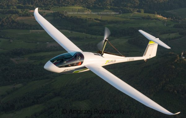 pipistrel taurus self launch glider sailplane engine undercarriage
