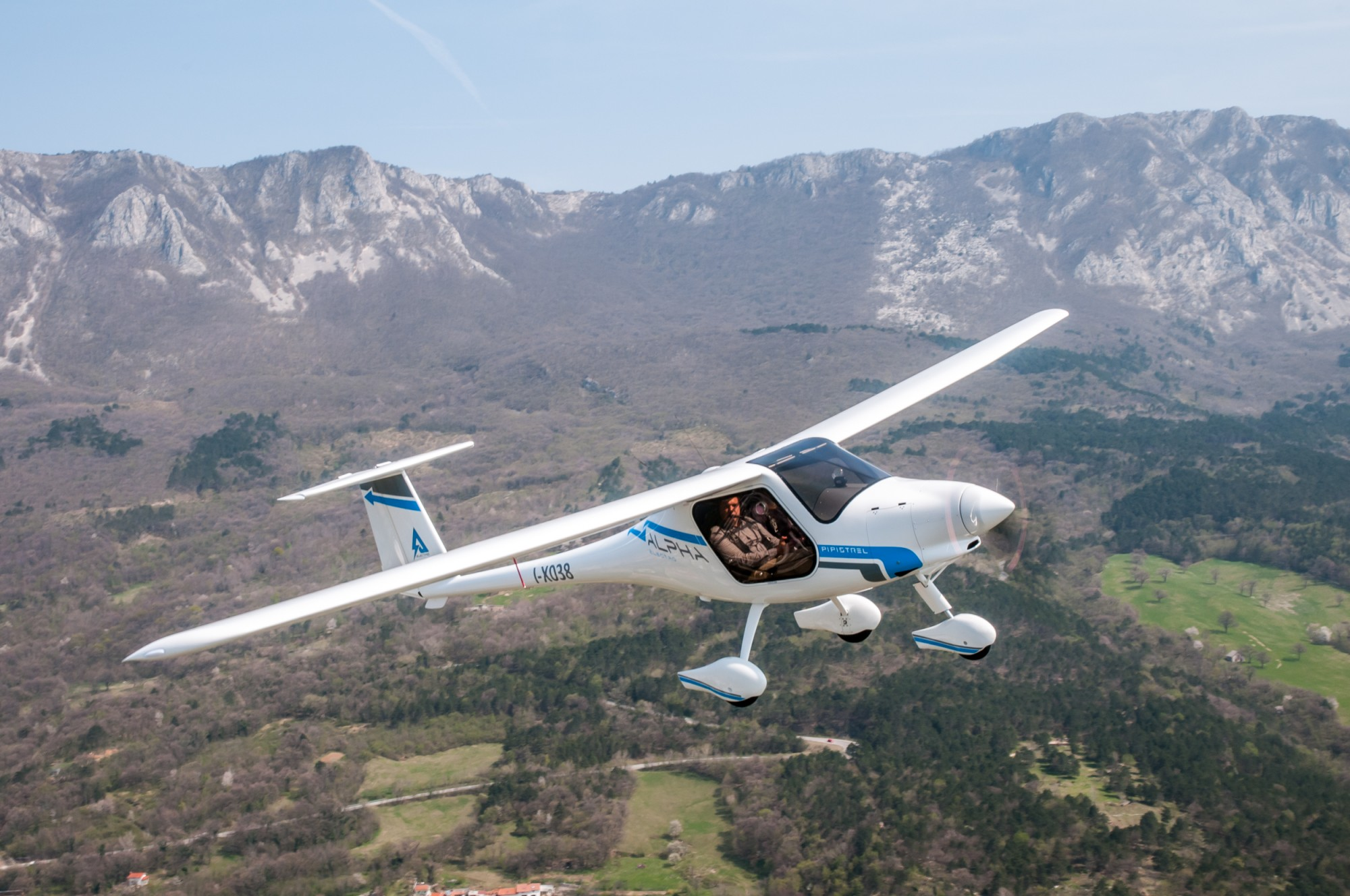 Pipistrel-Alpha-Electro-aircraft-zero-emissions-electric-aircraft-LSA-approved-for-training-operations-and-flight-schools-21