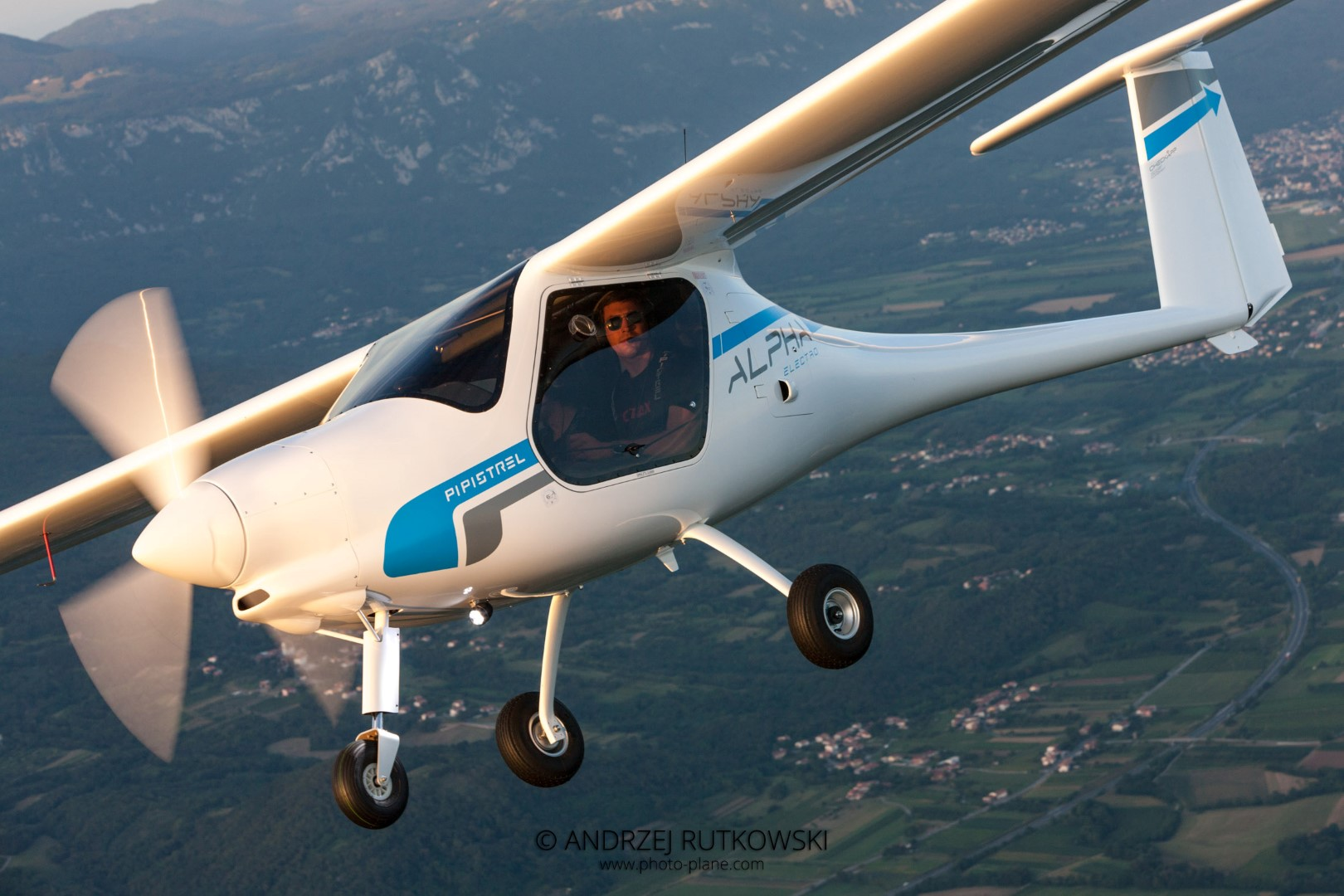 Pipistrel-Alpha-Electro-aircraft-zero-emissions-electric-aircraft-LSA-approved-for-training-operations-and-flight-schools-24